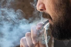 Το ηλεκτρονικό τσιγάρο κάνει καλό (ilektroniko tsigaro)